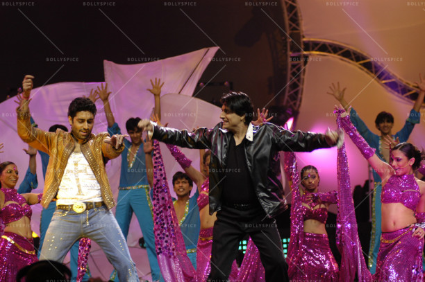 Shiamak and Abhishek at IIFA