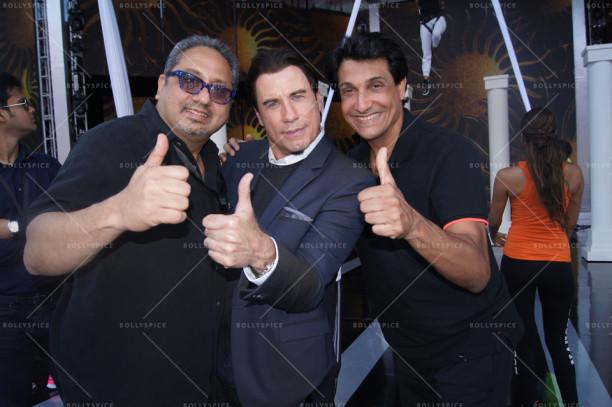 Viraf Sarkari, John Travolta, Shiamak Davar at IIFA 2014 (Tampa Bay)