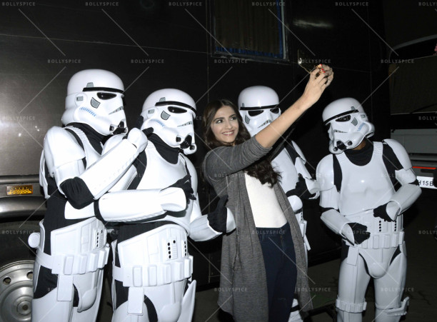 15dec_Sonam-StarWarsStormtroppers01