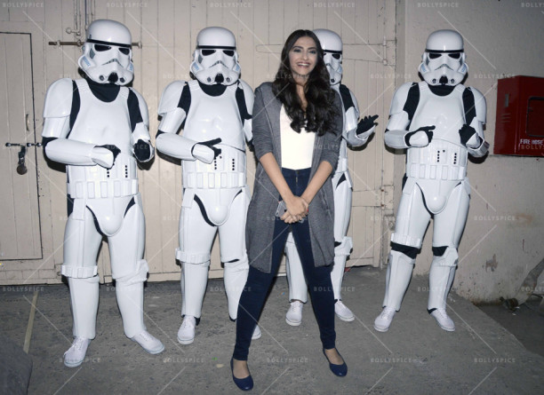 15dec_Sonam-StarWarsStormtroppers02