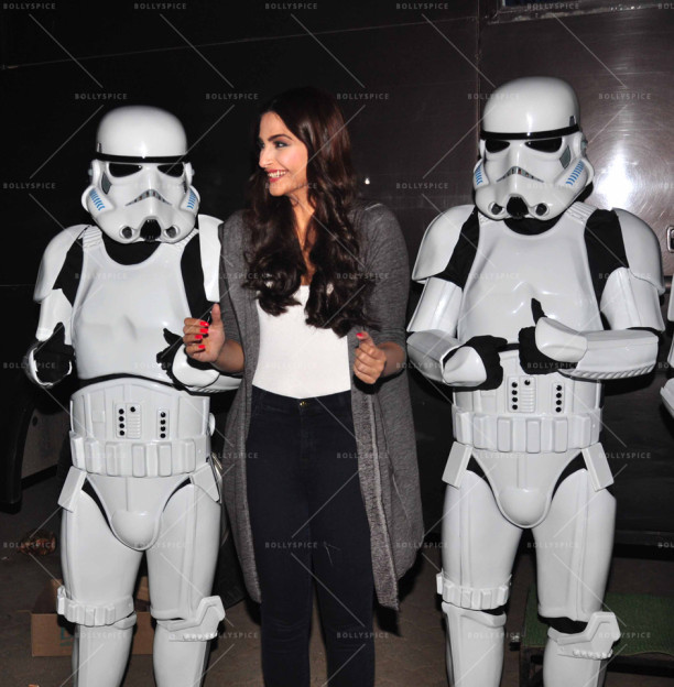 15dec_Sonam-StarWarsStormtroppers03
