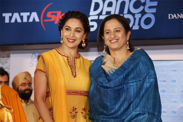 Superstar Madhuri Dixit Nene and Pallavi Puri, Chief Commercial Officer, Tata Sky at the launch of Tata Sky 'Dance Studio'.