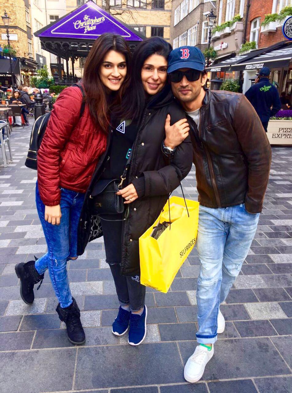 Kriti Sanon, Anaita Shroff Adjania and Sushant Singh Rajput