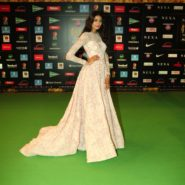 Athiya Shetty at NEXA IIFA Awards 2016 (35)
