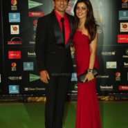 Sonu Sood and wife at NEXA IIFA Awards 2016 (21)