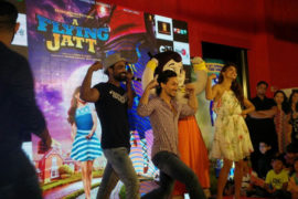 16aug_jatt-youngfans-01