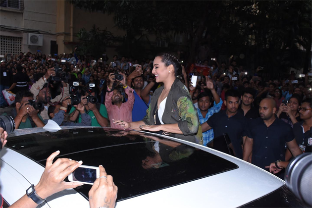 16aug_sonakshi-rajjrajjkelaunch-02