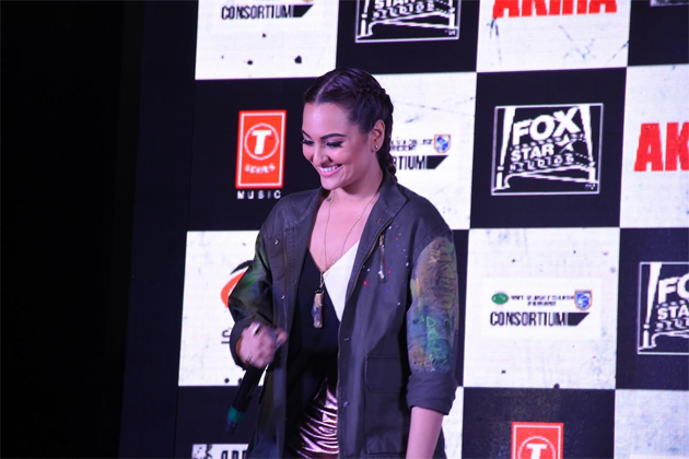 16aug_sonakshi-rajjrajjkelaunch-04