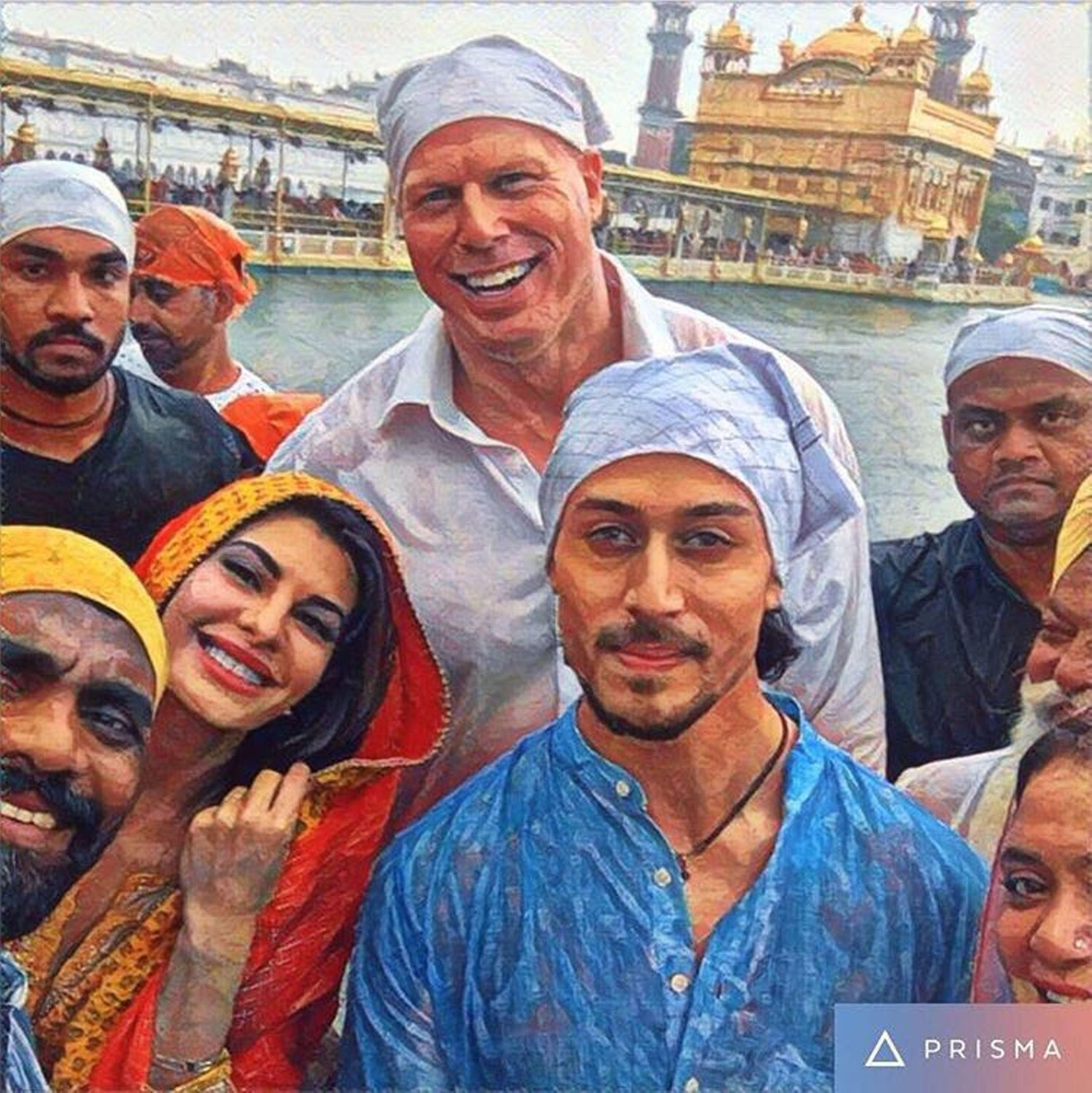 A Flying Jatt cast visit Golden Temple