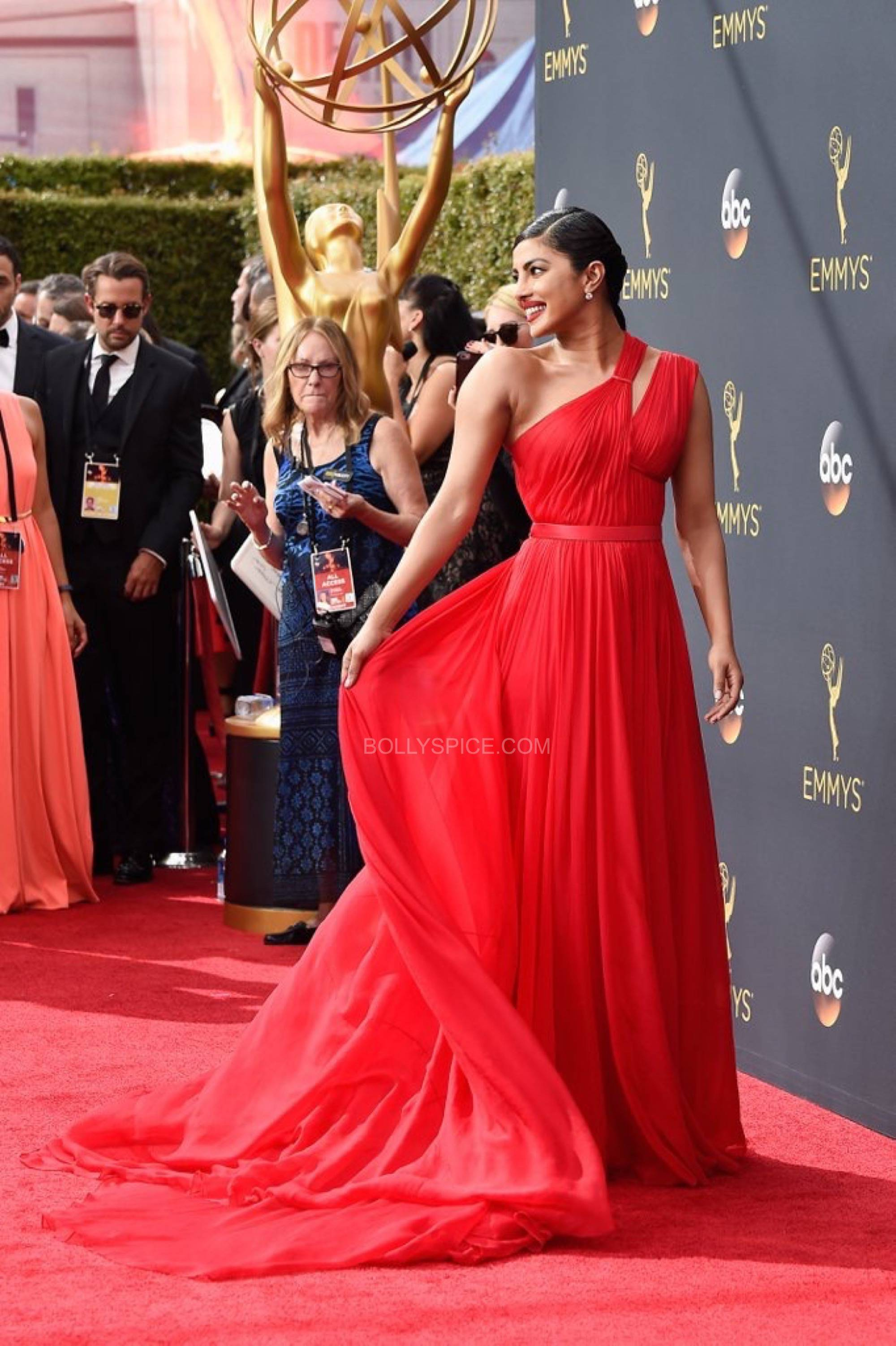 priyanka-chopra-red-dress-emmys-2016-2