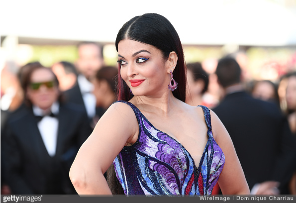 Aishwarya Rai Bachchan's latest pic from Cannes will leave you mesmerised!
